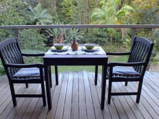 Bright Condo with Deck and Outdoor Dining Area in Kuranda - Kuranda vacation rentals