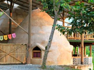 The Domes: A Hobbit House Adventure by the Jungle! - Dominical vacation rentals