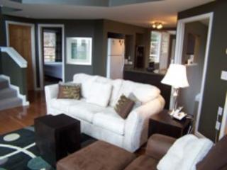 """Living Room - Feel the Forest Canopy 