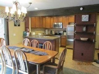 Large Condo!  4 rooms/3 bathroom in Mammoth Creek - Mammoth Lakes vacation rentals