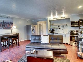 Pet-friendly condo with shared hot tub and pool! - Bend vacation rentals