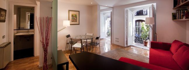 Living room & entrance - Loft-studio in excellent central location near SOL - Madrid - rentals