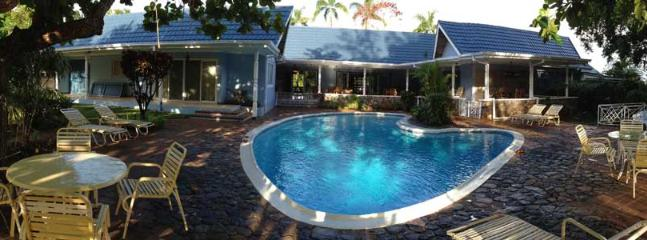 View of back yard - large pool deck with lots of shade - Seven Palms Villa - Runaway Bay Jamaica - Runaway Bay - rentals