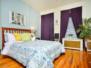 *Pizzazz* Upper East Side Studio Apartment-Great! - New York City vacation rentals