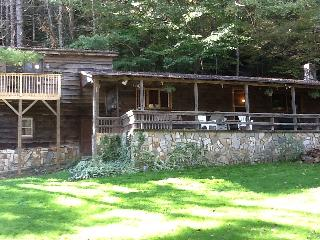 Blue ridge mountains river cabin with waterfall - Collettsville vacation rentals