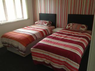 Serviced Self Catering House in Wolverhampton - Wolverhampton vacation rentals