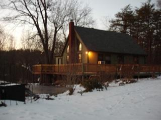 Peaceful, Kid/Pet-Friendly,Luxury Chalet with Wifi - Hedgesville vacation rentals