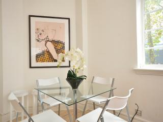 1 Bed Designer Flat In The Heart Of Covent Garden - London vacation rentals