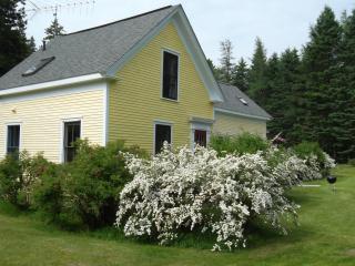Lovely Farmhouse on Oak Point in Harrington Maine - DownEast and Acadia Maine vacation rentals