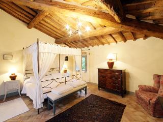LEONARDO - Chianni vacation rentals