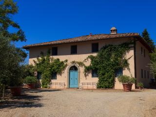 Leonardo - Ideal for Couples and Families, Beautiful Pool and Beach - Montespertoli vacation rentals