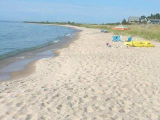 Cathead Bay in Northport MI Sand Castle Sleeps 12 - Northport vacation rentals