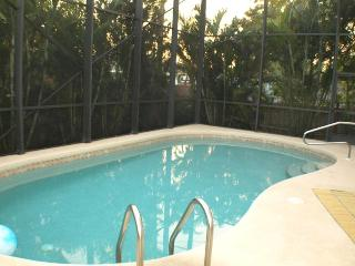 6Bd Naples Walking distance to the Beach in Naples - Naples vacation rentals