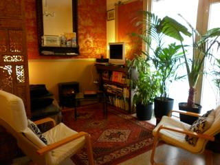 Wonderful 2 Bedroom Apartment with a Patio, in Avignon - Luberon vacation rentals