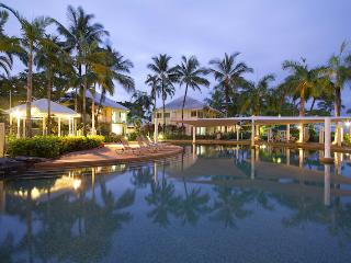 Coastal Blue @ Trinity Beach - Cairns District vacation rentals
