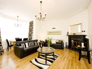 "The ""Michael Collins"" apartment, historic Dublin. - Dublin vacation rentals"