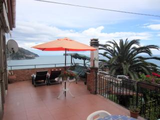 2 bedroom Villa with Garden in Corniglia - Corniglia vacation rentals