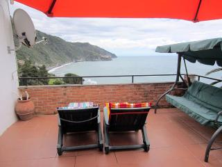 Lovely Villa with Garden and Long Term Rentals Allowed - Corniglia vacation rentals