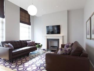 Luxury 2 Bedroom 2 Bathroom with A/C (4247) - London vacation rentals