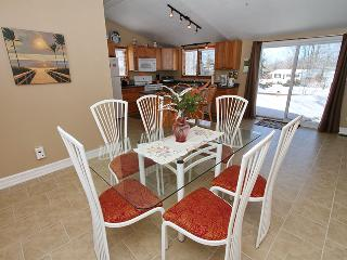 Beautiful 3 bedroom Cottage in Sauble Beach - Sauble Beach vacation rentals