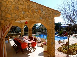 Magnificent Tordera villa with 5 bedrooms for 11 guests, only 8km from the beach - Tordera vacation rentals