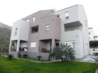 Villa LAVANDA Split/Podstrana,4****, 5 pax app. - Podstrana vacation rentals