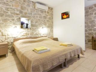 Studio apartment in the center of the Split - Split vacation rentals