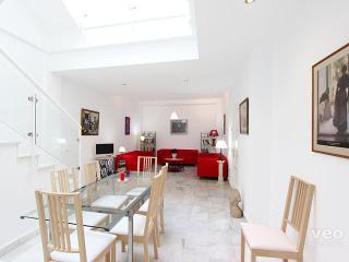 Pedro Miguel. 4 bedrooms, 3 bathrooms, 8 pax - Seville vacation rentals