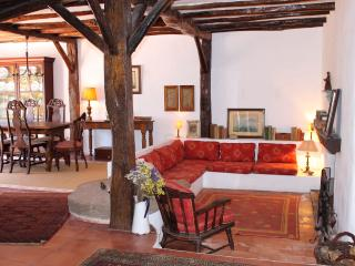 Moinho Azoia; idyllic, rustic mill, equipped for 8 - Azoia vacation rentals