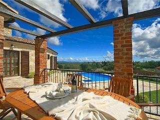 4 bedroom Villa in Porec, Istria, Croatia : ref 2210741 - Markovac vacation rentals