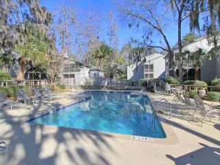 4 Ocean Breeze Townhome, 3 Pools, Tennis, Beach, Pet Friendly - Hilton Head vacation rentals