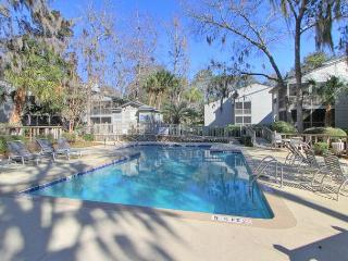 Walk to Beach, New Interior, Pet Friendly, Free Bikes, Pool & Tennis - Hilton Head vacation rentals