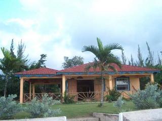 Bay Watch at Runaway Bay, Jamaica - Beachfront, Real Tropical Getaway, Pool - Discovery Bay vacation rentals