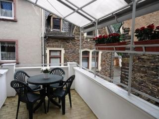 Central Apartment with Balcony - Traben-Trarbach vacation rentals