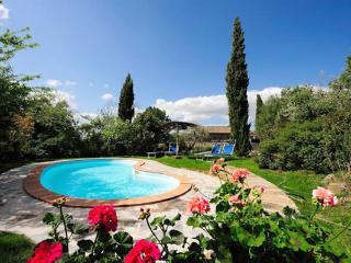 Comfortable Villa with Outdoor Dining Area and Television - Cortona vacation rentals