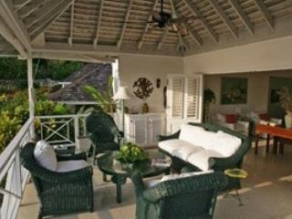 Sensational 3 Bedroom Villa in Round Hill - Image 1 - Hope Well - rentals