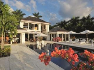 Excellent 4 Bedroom Villa in Round Hill - Hope Well vacation rentals