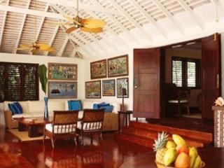 5 Bedroom Villa with Private Pool & Veranda in Round Hill - Jamaica vacation rentals