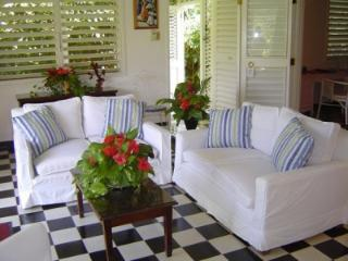 2 Bedroom Villa with View in Round Hill - Hope Well vacation rentals