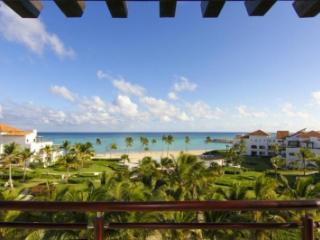 Stellar 2 Bedroom Villa with Private Jacuzzi in Punta Cana - Punta Cana vacation rentals