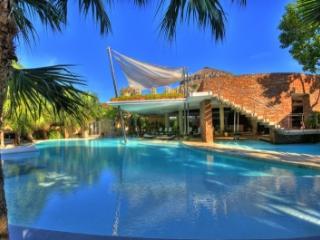 6 Bedroom Villa with Private Pool in La Romana - Altos Dechavon vacation rentals