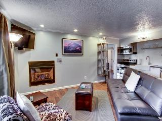 Pet-friendly condo w/shared pool & hot tub! - Bend vacation rentals