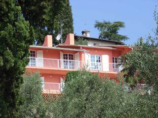7 bedroom Villa in San Felice del Benaco, Lombardy, Italy : ref 2135409 - San Felice del Benaco vacation rentals