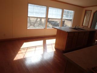 5 bedroom 2 1/2 bathroom Manufactured Home - Lampasas vacation rentals