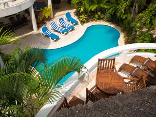Blue Palms; 1 bedroom condo steps from the beach! - Playa del Carmen vacation rentals