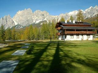 Cortina, unbelievable view, 10 minutes to center - Cortina D'Ampezzo vacation rentals