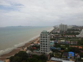 Lumpini Park Beach Jomtien - Na Chom Thian vacation rentals