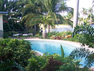 LUXURY Ft. Lauderdale ~~~ WATERFRONT ~~~ Pool Home - Fort Lauderdale vacation rentals