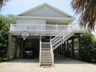 Carolina Cozy - Spacious Beach House in the Heart of Carolina Beach !!! - Carolina Beach vacation rentals
