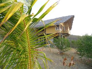 Cabaña for rent in front of the beach! - Manta vacation rentals